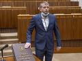 KORONAVÍRUS v politických kruhoch: Poslanec ĽSNS dovolenkoval v Bulharsku, pozitívny test najprv popieral
