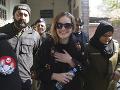 Pašeráčka Tereza (24) sedí v pakistanskej base, no má dôvod na úsmev: Darček od prezidenta!