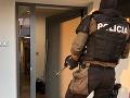 FOTO Veľká protidrogová akcia v Seredi: NAKA zadržala viacero osôb, zaistila aj obrovskú hotovosť