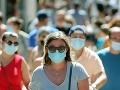 KORONAVÍRUS Francúzsko zavedie od septembra povinné nosenie rúšok v práci