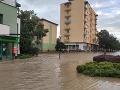ONLINE Prívalové dažde zasiahli Slovensko: Pod vodou je opäť aj obec Pichne