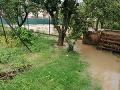 Humenné ostalo pod vodou: Obyvatelia musia počkať s odstraňovaním následkov záplav