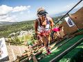 Extrémna trať na Štrbskom plese priniesla ročník plný rekordov: Bežali aj hasiči v 22 kg výstroji