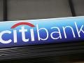 Obrovský trapas banky: Klientovi poslala omylom 147 miliónov, ten ich nechce vrátiť
