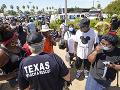 V Texase a Louisiane evakuujú takmer 400-tisíc ľudí: Ohrozuje ich hurikán Laura