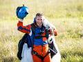 Švajčiarsky parašutista sa zapísal do histórie: Zoskočil zo špeciálneho lietadla