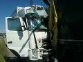PRÁVE TERAZ Hasiči zasahujú pri dopravnej nehode: FOTO Zrazili sa tri kamióny, cesta je uzavretá
