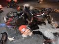 FOTO Vážna dopravná nehoda pri Vlkanovej: Mladý motocyklista bojuje o život