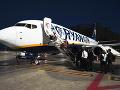 Panika v lietadle z Viedne: Posádka našla neznámy predmet, zadržali dvoch mužov