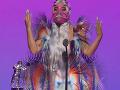 Zmlátený spevák, Lady Gaga ako z iného sveta a bradavky na úteku: TOPky z odovzdávania cien MTV!