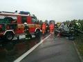 MIMORIADNE Diaľnicu D1 v smere na Žilinu uzavreli: FOTO Pri Trenčíne sa zrazili tri autá