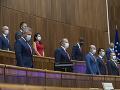 Koaliční poslanci navrhujú označiť komunistický režim ako odsúdeniahodný