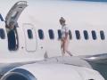 Šialená ženská potrebovala na čerstvý vzduch: Otvorila núdzový východ v lietadle a...