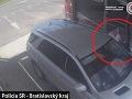 Polícia žiada o pomoc pri objasnení krádeže zameriavača v obci Malinovo