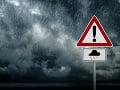 Ďalšie VAROVANIE meteorológov: Na západnom a strednom Slovensku hrozia búrky
