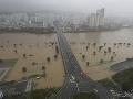 Tajfún Haišen sa prehnal Japonskom a Južnou Kóreou: Zrušené lety a ľudia bez elektriny