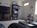 VIDEO Znepokojený mladík nainštaloval v obývačke kameru: Keď si pozrel záznam, vydesil sa