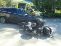 FOTO V Žiline sa zrazila motocykel s autom: Motorkár skončil so zraneniami