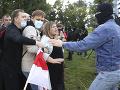 FOTO Protesty v Bielorusku nestrácajú na sile: Zatkli ďalších demonštrantov