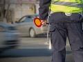 FOTO Policajti zastavili vodiča s čudnou ŠPZ-kou: Keď sa prizreli bližšie, museli sa rehotať