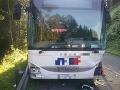 FOTO Hasiči zasahovali pri dvoch ranných nehodách autobusov: V jednom autobuse sa viezli deti