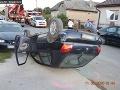 FOTO Opitý muž bez vodičského oprávnenia vyvádzal: Prevrátil svoje auto a zdemoloval ďalšie tri
