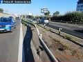 Tragikomédia na D1! Opilec s troma deťmi v aute spôsobil nehodu a utiekol, skončil nahý v putách