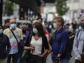 KOROANVÍRUS Poľsko zavádza od soboty povinné nosenie rúšok na verejnosti