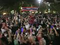 FOTO Desaťtisíce ľudí protestovali v thajskom Bangkoku proti vládnucemu režimu