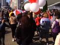 VIDEO Do ulíc Minska vyšli tisíce ľudí: Úrady operátorom nariadili znížiť rýchlosť internetu