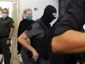 Budú padať hlavy?! Hladujúca Monika Jankovská strávila so šéfom NAKA desiatky minút