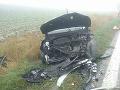 PRÁVE TERAZ FOTO Hasiči zasahujú pri čelnej zrážke dvoch áut: Cesta je uzavretá