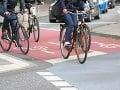 Chodci a cyklisti v