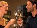 Manželia oslavovali prvé výročie svadby: Žena vytočená odišla od stola, ale budete ju chápať