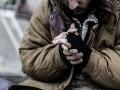 Zákazník trafiky daroval bezdomovcom