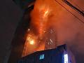 V Južnej Kórei horí obytná budova: Z miesta nešťastia hlásia takmer sto zranených