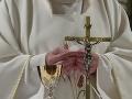 Obrovský cirkevný škandál v USA: Kňaz si to rozdával s dominami priamo na oltári! Zasiahol arcibiskup