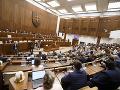 Rokovanie o opatreniach ÚVZ prebieha aj dnes: Nezhody v parlamente, Fico kritizoval včerajšok