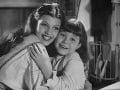 Rita Hayworth (vľavo)