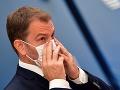 Premiér sa politicky pripravuje na najhorší scenár koronakrízy, tvrdí publicista: Tvrdá kritika opatrení!