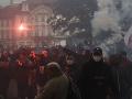 KORONAVÍRUS Hrozivé zábery z protestu v Prahe: Polícia použila proti demonštrantom delobuchy aj vodné delo