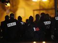 Vyšetrovanie vraždy učiteľa vo Francúzsku pokračuje: Polícia zadržala 15 podozrivých