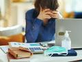 KORONAVÍRUS Zamestnanci, ktorí sa nakazia v práci, majú získať úrazový príplatok
