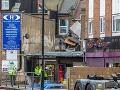 V Londýne explodoval obchod: Pravdepodobne vybuchol plyn, dvaja ľudia zomreli