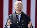 Biden: Trumpove obvinenia o korupcii sú snahou očierniť mňa i moju rodinu