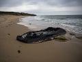 Migranti na člne sa prevrátili pri pobreží Francúzska: Traja z nich sú nezvestní