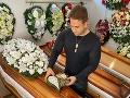 Pohreb zosnulého pozitívneho na COVID-19: Špeciálne opatrenia… Žiadna úprava tela, ani otvorená truhla!