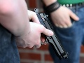 Brutálny útok na parkovisku v Senici: Agresori sa zmlátenému mužovi vyhrážali smrťou, mali aj zbraň