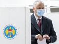 V prvom kole volieb v Moldavsku zrejme zvíťazil proruský prezident Dodon