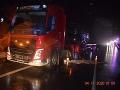 Pri Lučenci došlo k zrážke s nákladiakom: FOTO Zarážajúce zistenia po príjazde polície